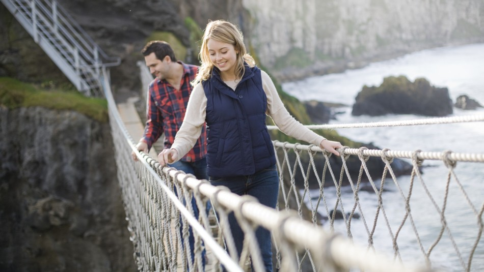 Echt Irland, County Antrim, Carrick-a-rede-Hängebrücke, Irland Fly and Drive
