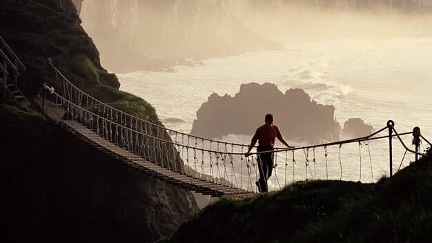Echt Irland, County Antrim, Carrick-a-rede-Hängebrücke, Irland Rundreise