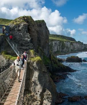 Echt Irland, County Antrim, Carrick-a-rede-Hängebrücke, Irland Autorundreise
